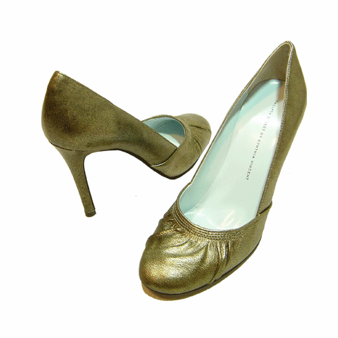 Twelfth Street by Cynthia Vincent Seymour Metallic Gold Pump