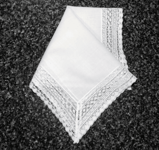 Vintage Handkerchief Wedding White 1-1/2 inch French Lace HA1001