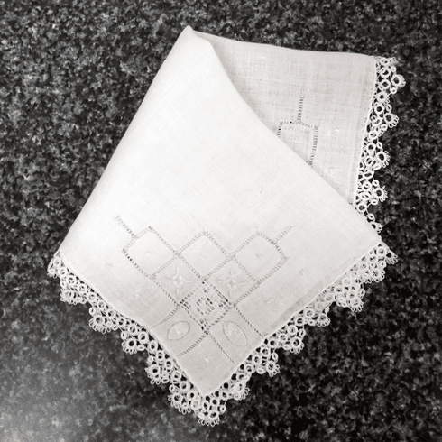 Vintage Handkerchief White Linen Knotted Tatting Lace Four Corner Design #HAN027