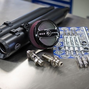 Stage II Kit with 585C Cams and Grand National mufflers for 2008-16 Touring models