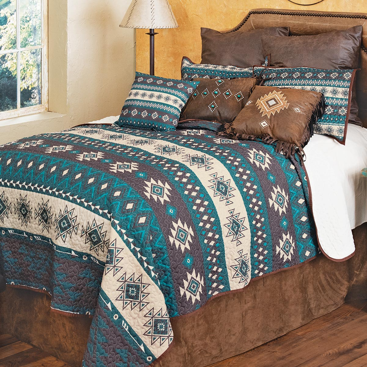 Arrow Pass Quilt Set - Queen