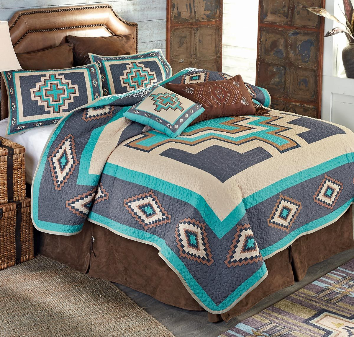 Azul Crosses Quilt Bed Set - Queen