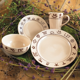 Branded Dinnerware Set (16 pcs)