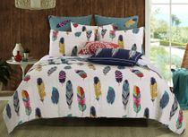 Bright Falling Feathers 5pc Quilt Bonus Set - Full/Queen
