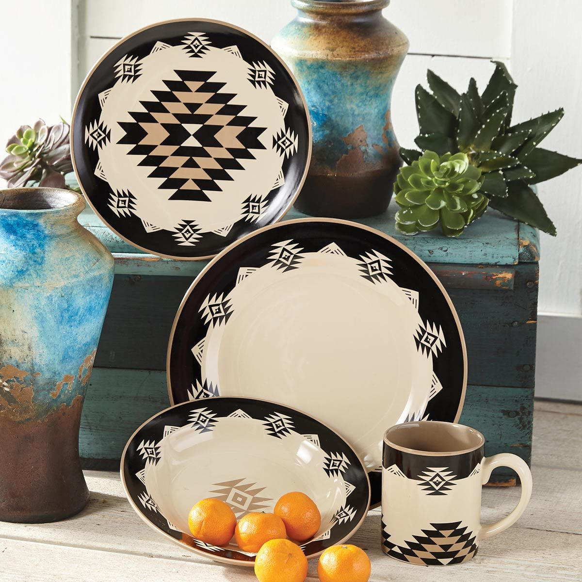 Durango Diamond Dinnerware (16 pcs) - BACKORDERED UNTIL 6/4/2021