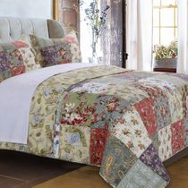 Floral Meadows Quilt Set - Twin