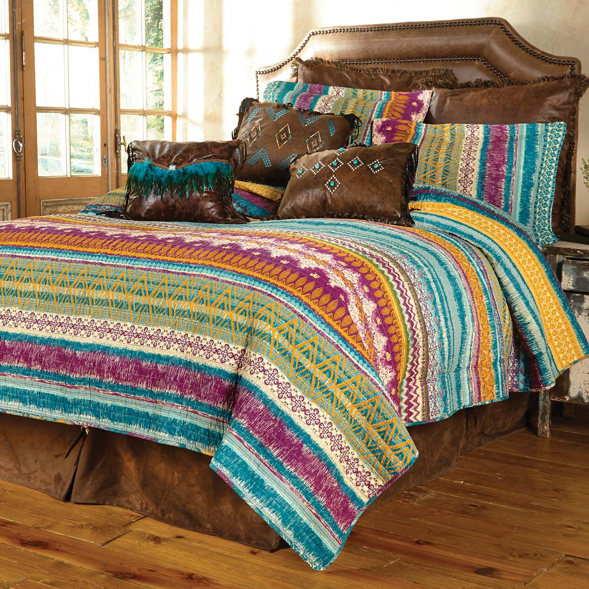 Fuchsia Tribal 3-Piece Quilt Set - Full/Queen