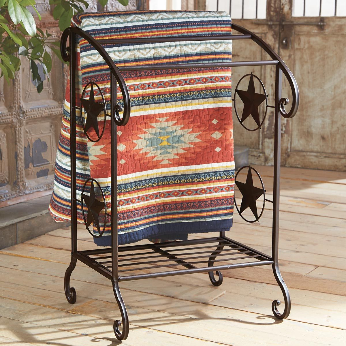 Lone Star Scroll Quilt/Towel Rack