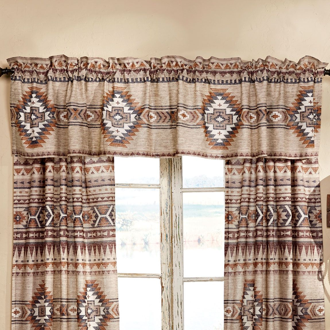 Southern Flare Lined Valance
