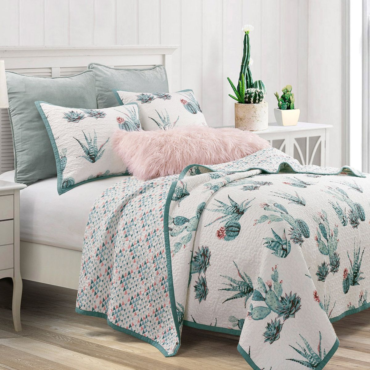 Southwest Flora Reversible Quilt Set - King