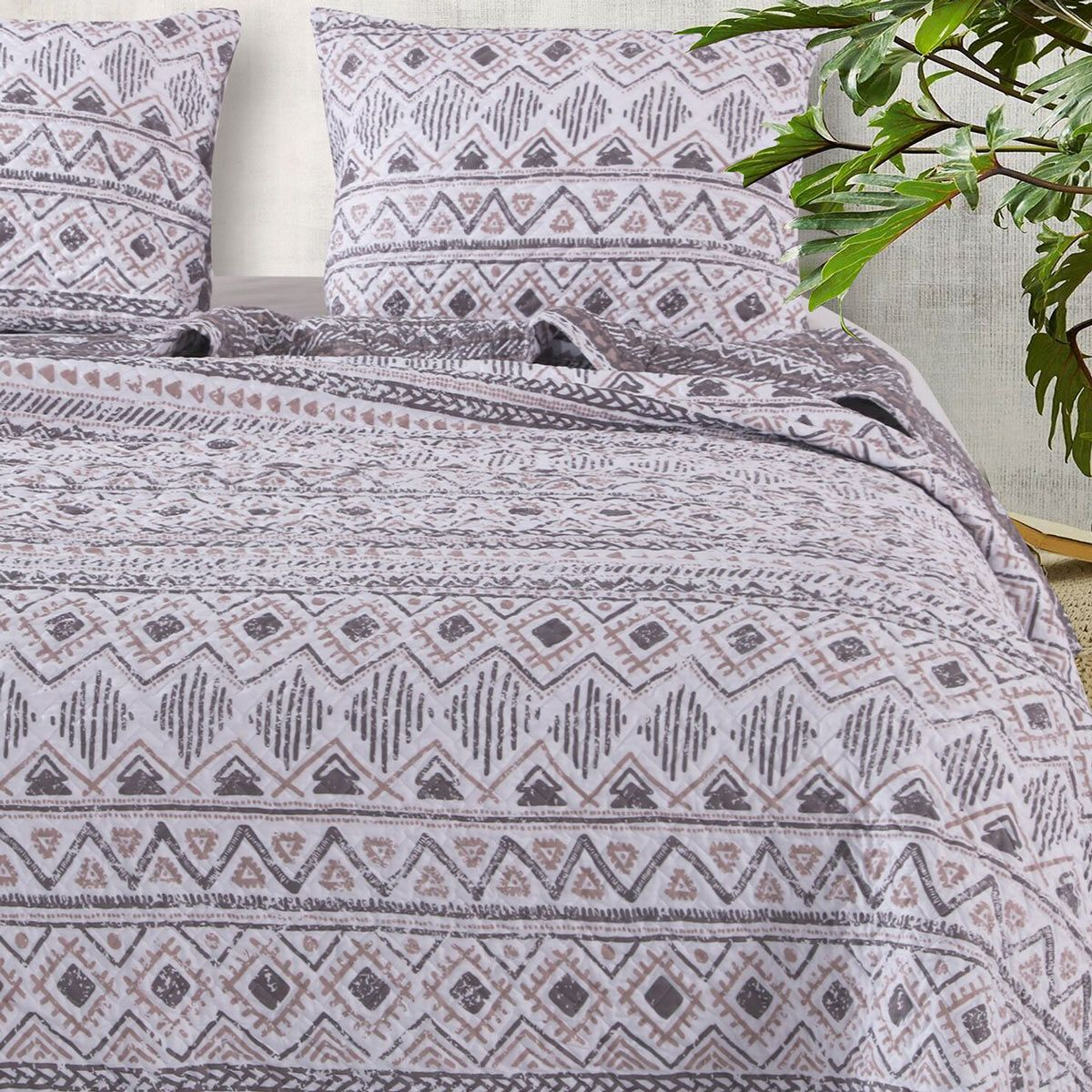Southwestern Winter Quilt Set - Twin