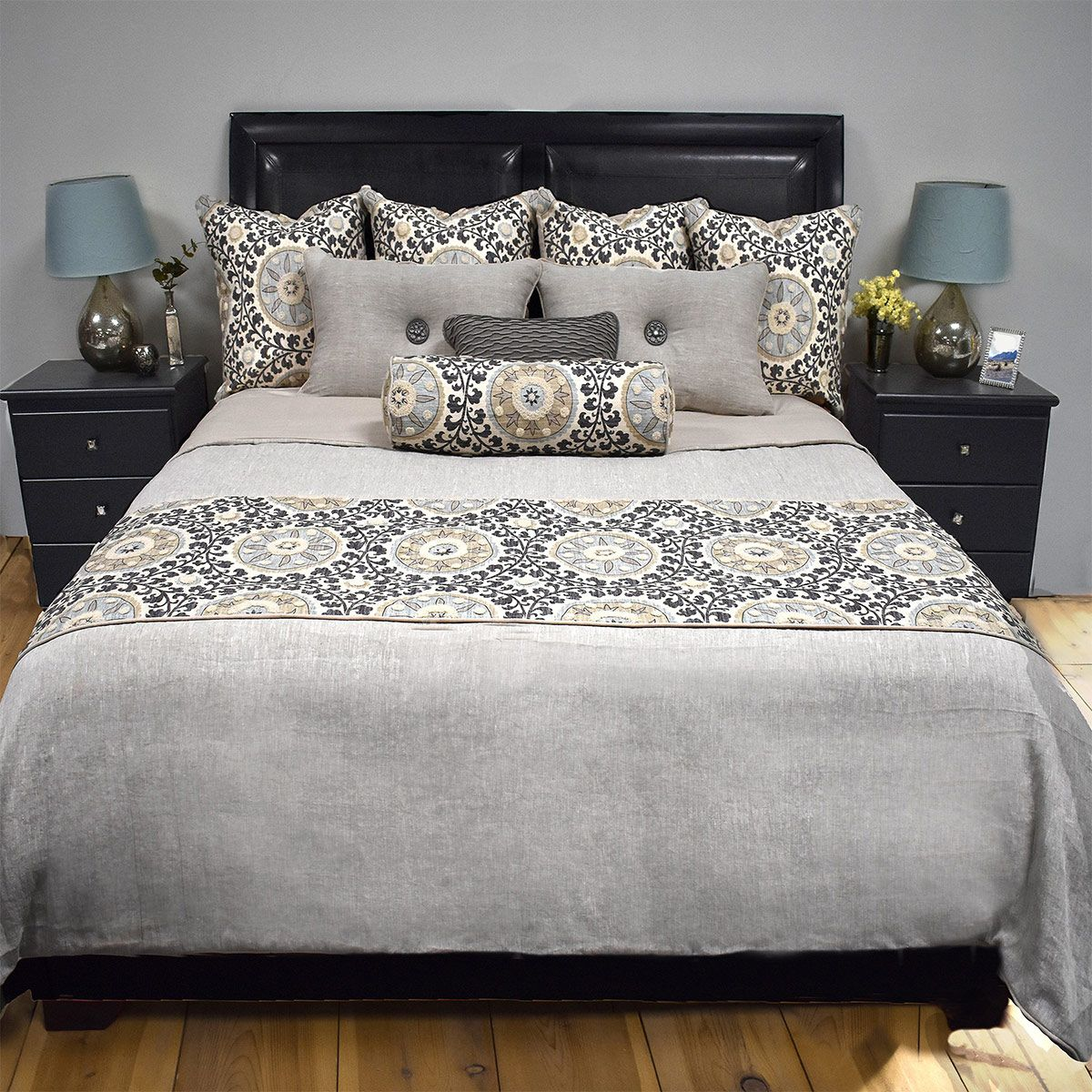 Tribal Platinum Reversible Duvet - King Plus