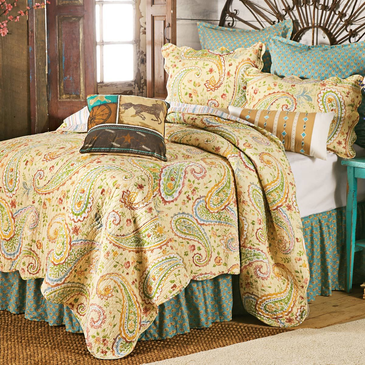 Wildflower Paisley Quilt - King