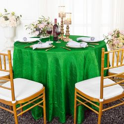"108"" Seamless Round Crushed Taffeta Tablecloth - Emerald Green 61438 (1pc/pk)"