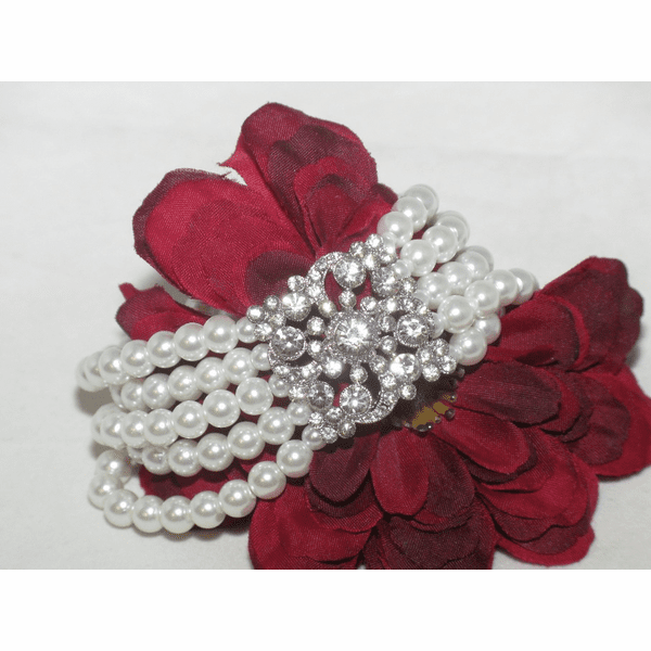 Carolina - BREATHTAKING white pearl bridal bracelet - SALE!!