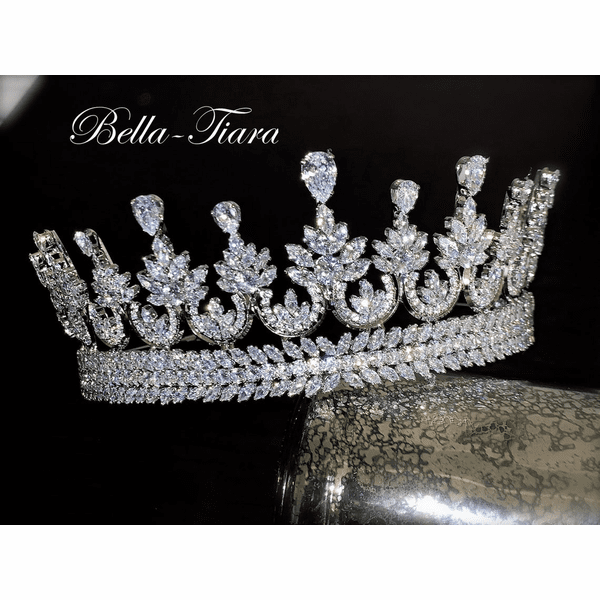 <h4>MAJESTIC - Swarovski Crystal crown wedding tiara</h4>Free Earrings or Bracelet