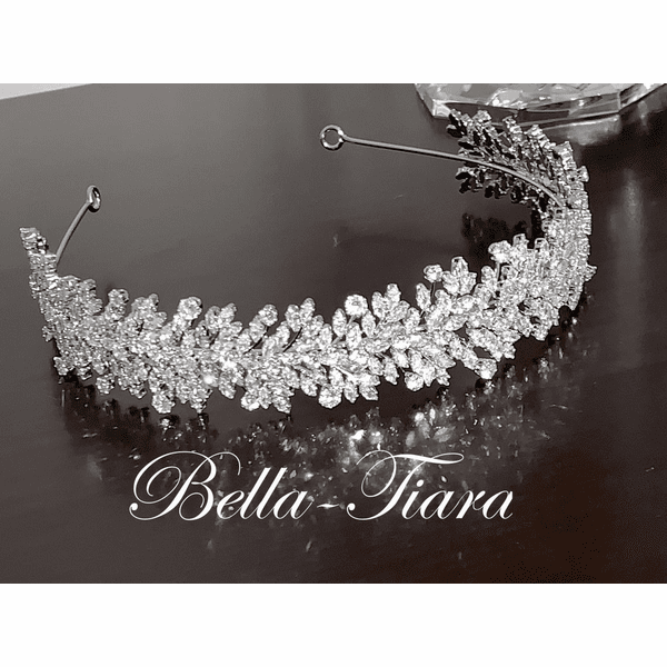 <h4>Nora - STUNNING swarovski crystal headband</h4>Free Earrings or Bracelet