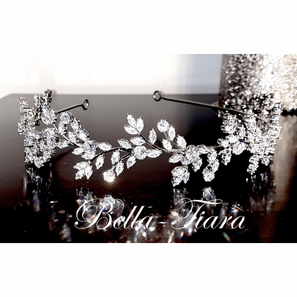 <h4>Roma - Dazzling crystal wedding headband </h4>Free Earrings or Bracelet