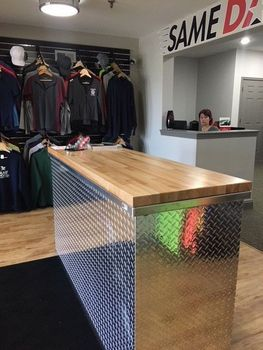 Diamond Plate Service Desk