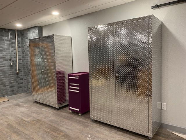 Peachy Two Diamond Plate Cabinets 6 Feet Tall 4 Feet Wide 22 Inches Interior Design Ideas Greaswefileorg