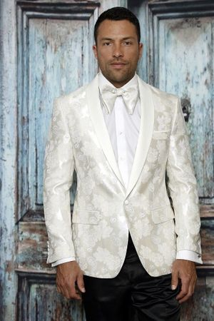 Manzini Men's Cream Paisley Fitted Tuxedo Blazer MZS-289 Bow - click to enlarge