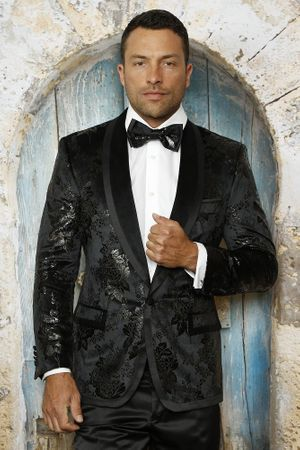 Manzini Fitted Entertainer Jacket Mens Black Velvet MZV-512 - click to enlarge