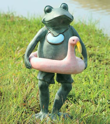 Beach Buddy Frog Statue - Click to enlarge