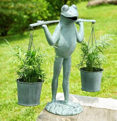 Farmer Frog Planter Statue - Click to enlarge