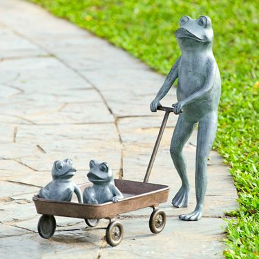 Frog Family Wagon Planter - Click to enlarge