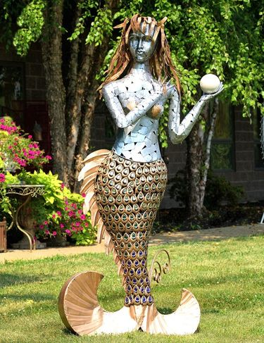 Giant Metallic Mermaid Statue - Click to enlarge
