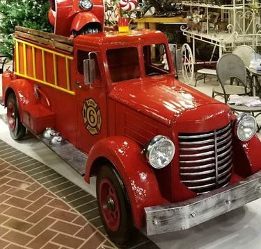Large Fire Truck Engine Decor - Click to enlarge