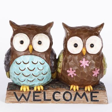 Owl Couple w/Welcome Sign - Click to enlarge