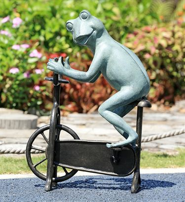 Peloton Workout Frog Sculpture - Click to enlarge