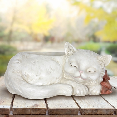 Sleeping Cat Flower Pot - Click to enlarge