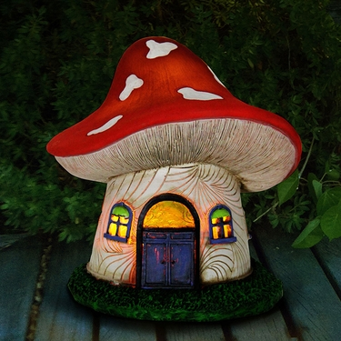 Solar Mushroom Fariy House - Click to enlarge