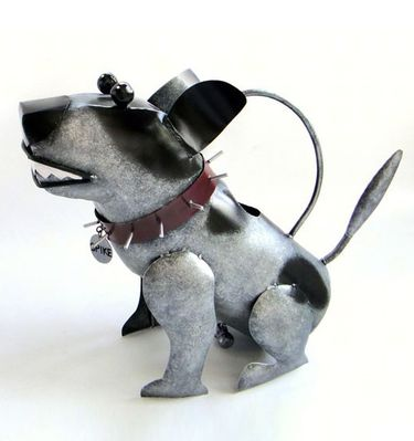 Spike Dog Watering Can - Click to enlarge