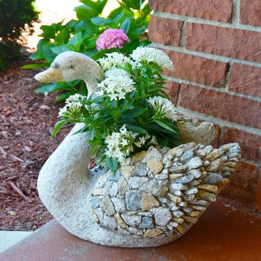 3D Stone Swan Planter - Click to enlarge