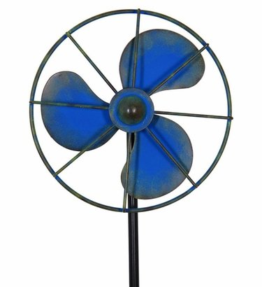 Vintage Fan Stake Spinner - Blue - Click to enlarge