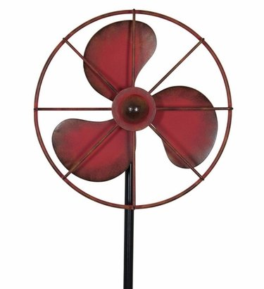 Vintage Fan Stake Spinner - Red - Click to enlarge