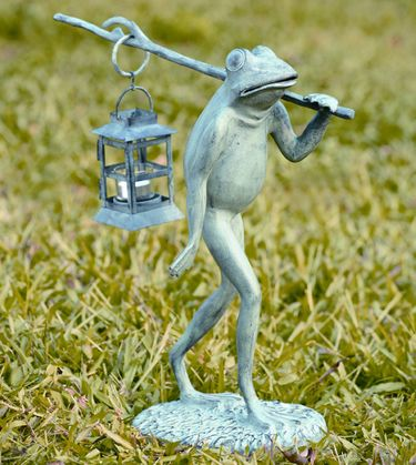 Walking Frog w/Candle Lantern - Click to enlarge