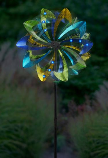 Wind-Powered LED Light Spinner: Green & Blue - Click to enlarge