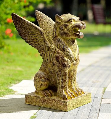 Winged Lion Garden Sculpture - Click to enlarge