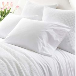 Essential Percale White Sheet Set <font color=a8bb35>NEW</font>