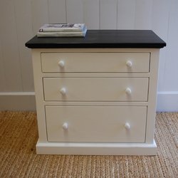 Cottage 3-drawer Bedside Table