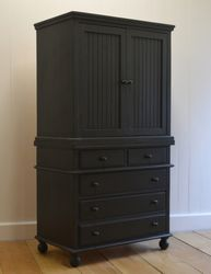 Lord Barrington Armoire