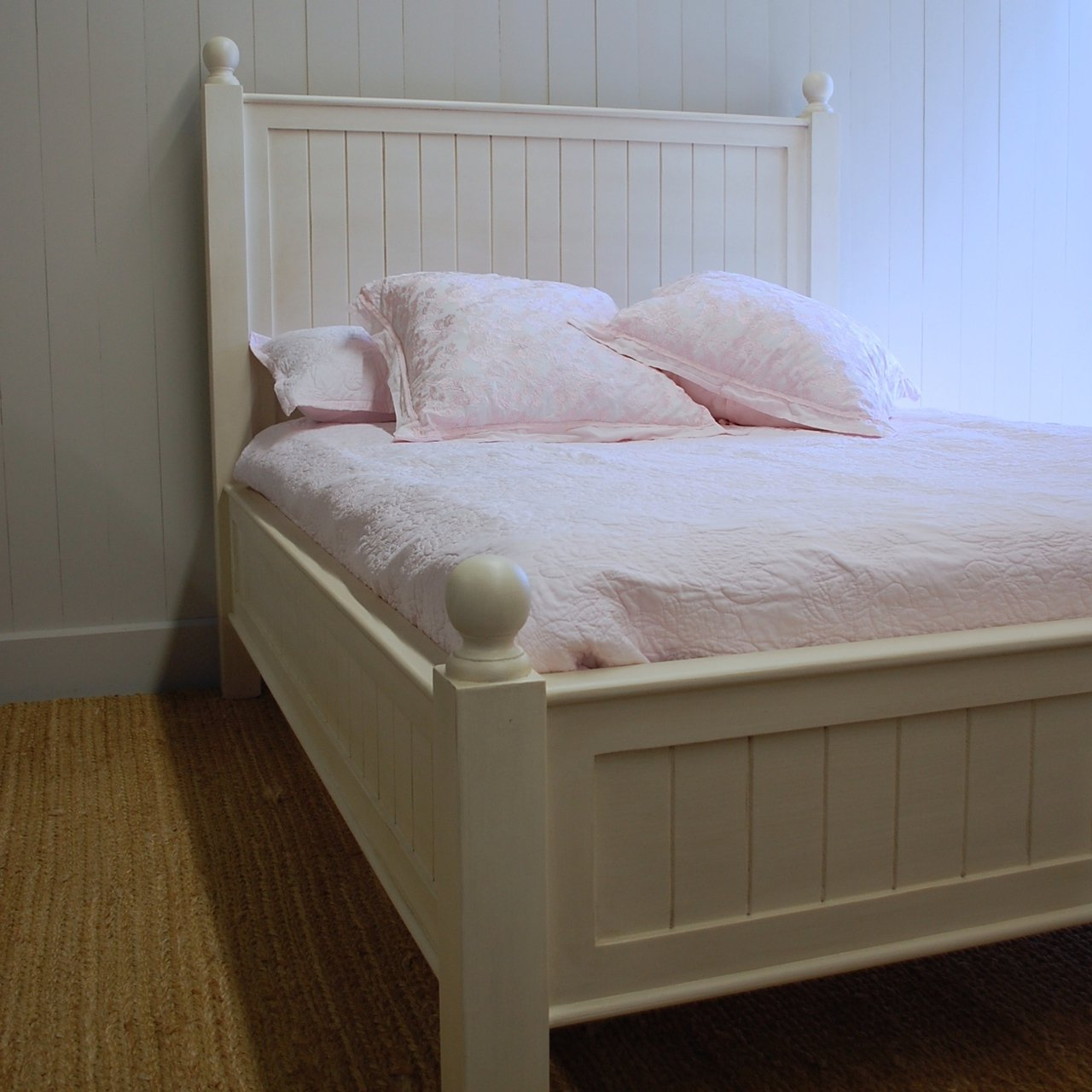 New England Beadboard Bed For Sale