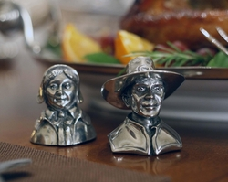 Pewter Pilgrims Couple Salt & Pepper Set<font color=a8bb35> NEW</font>