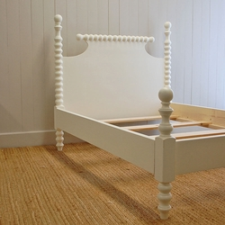 Saundra Spindle Bed