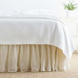 Savannah Linen Gauze Bed Skirt - Tea Stain