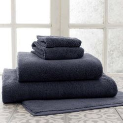 Signature Black Bath Towels<font color=cf2317> 20% Off</font>